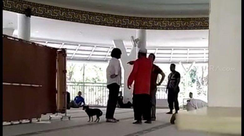 Bijak Menyikapi Kasus Wanita Menerobos Masjid di Bogor