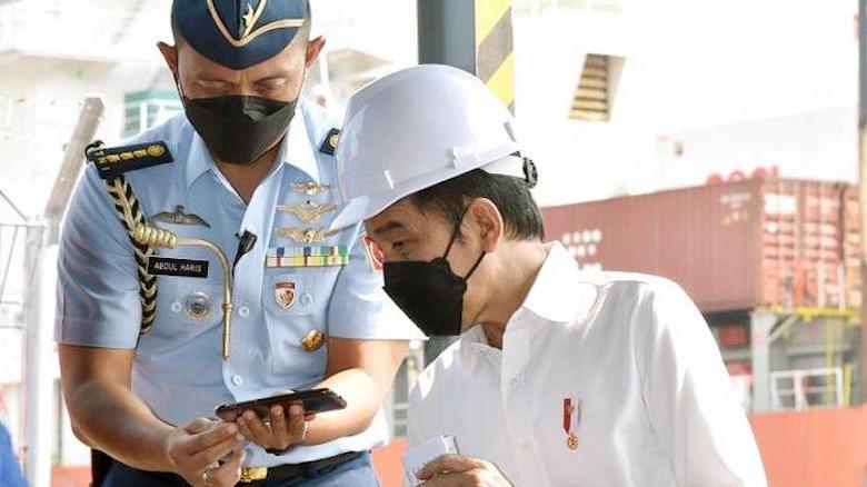 Presiden Jokowi Tindak Pungli di Pelabuhan