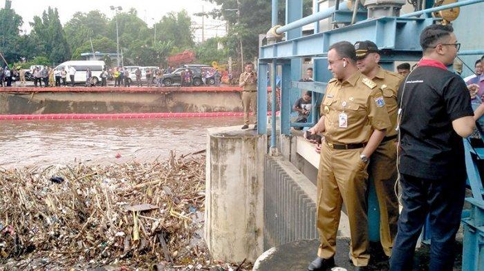 Gubernur Jakarta dan Mati Ketawa Cara Banjir